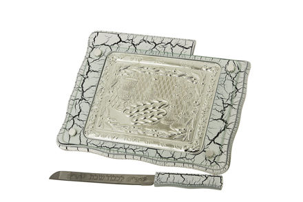 Picture of #29249 Challah Board White marble with a knife