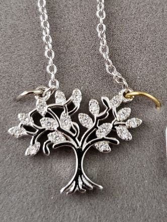 Picture of SN-96 Tree of Life with CZ leaves